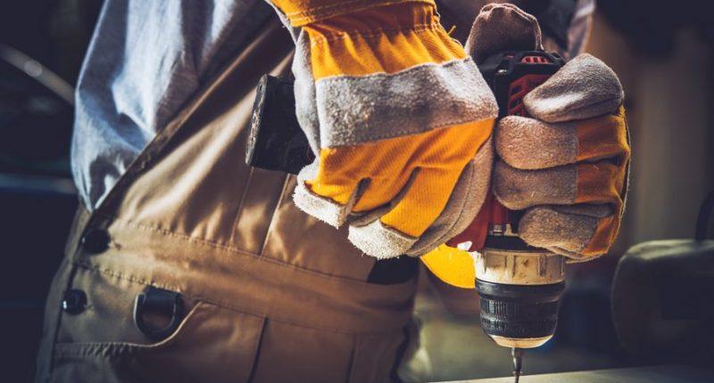 Wybór metalowych elementów złączonych i narzędzi ręcznych